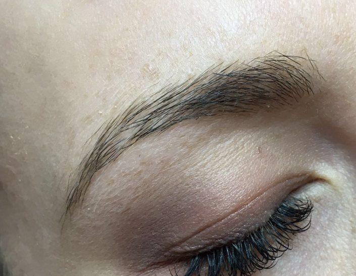 Permanent Make-up Augenbrauen vorher